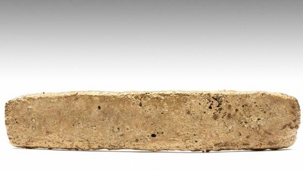 Un tejo de oro de la época de Cortés