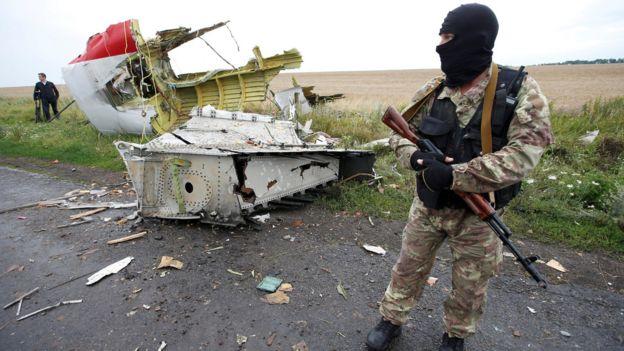 یک شبه نظامی در اوکراین