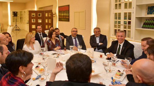 Mansur Yavaş gazetecilerle iftar yemeği verdi