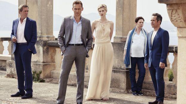 Hugh Laurie, Tom Hiddleston, Elizabeth Debicki, Olivia Colman and Tom Hollander in The Night Manager (2016)