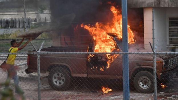 горящий грузовик