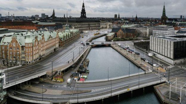 Опустевшие улицы Копенгагена 1 апреля