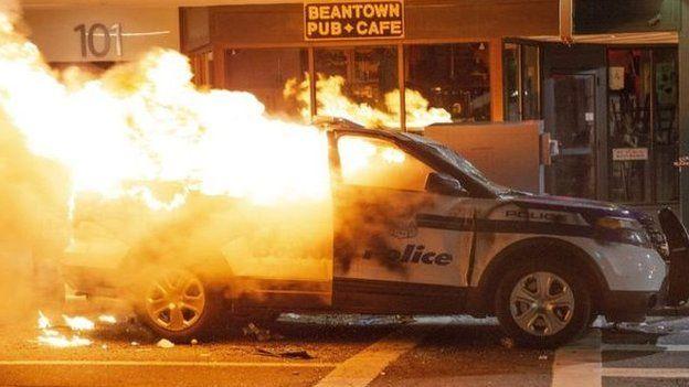 آتش زدن خودروی پلبس در بوستون