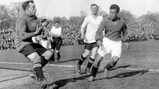 Jack Leslie playing football