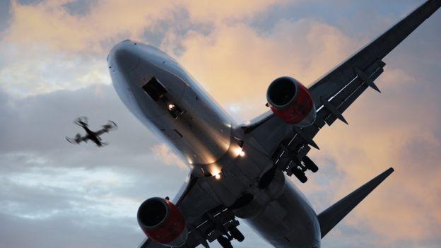 dron y avión