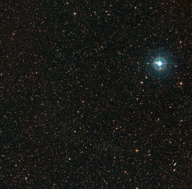 Imagem da região do céu onde está a estrela