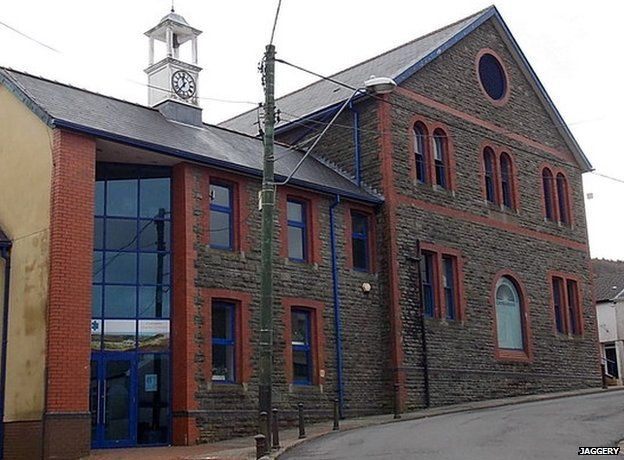 Cwmaman Institute - photo by Jaggery
