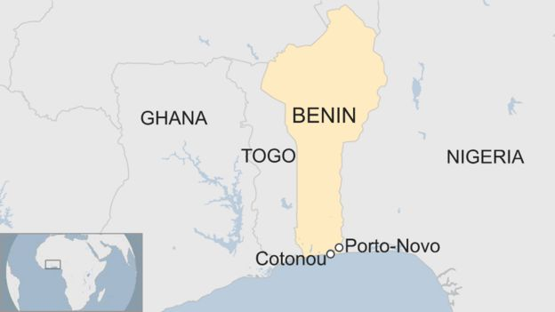 A map showing the locations of Coto<em></em>nou and Porto-Novo in Benin.