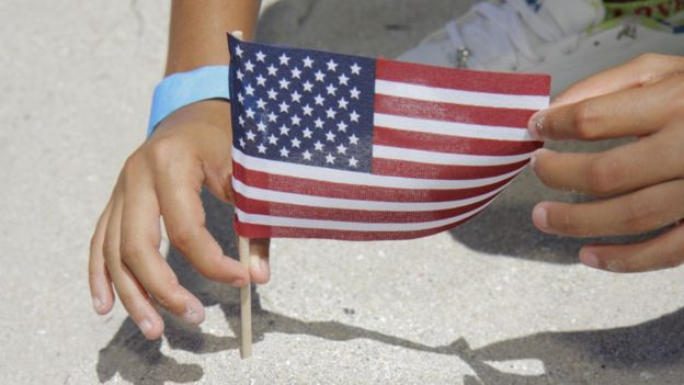 Ребенок и флаг США