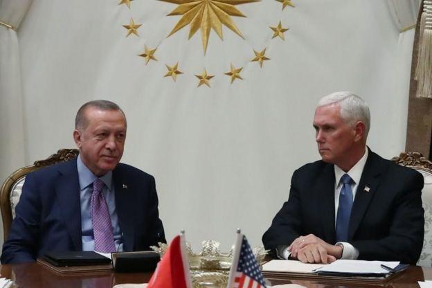 Türkiyə prezidenti Recep Tayyip Erdoğan və ABŞ-ın vitse-prezidenti Mike Pence