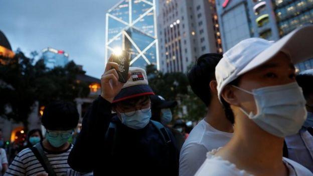 香港民众纪念反送中抗议一周年