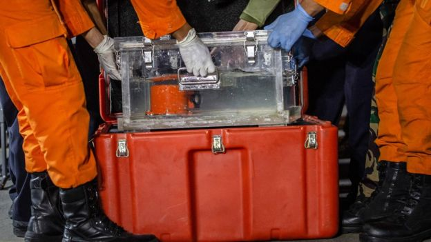Black box Lion Air JT610 yang ditemukan adalah Flight Data Recorder, yang mencatat data penerbangan.