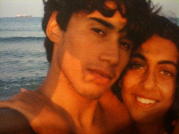 Luis junto a su esposa Sara.
