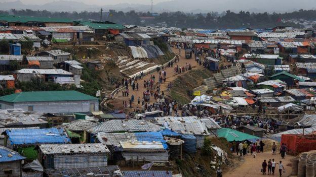 70萬羅興亞人逃到鄰國孟加拉國
