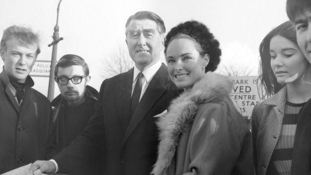 Roy y Joan Bates