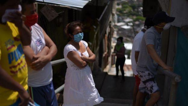 Parientes de desaparecidos en Guayaquil.