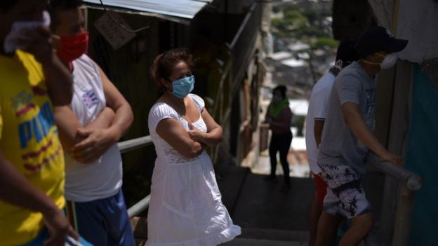 Parentes de desaparecidos en Guayaquil