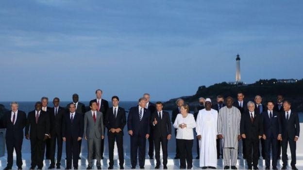 Foto dos líderes que participaram da cúpula do G7 em Biarritz, na França