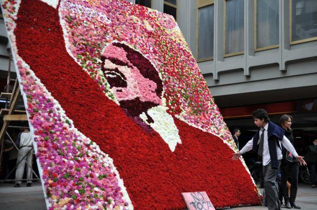 Homenaje floral a Gaitán.