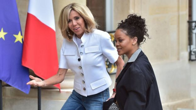Brigitte Macron y Rihanna