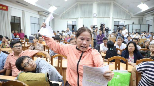 Người dân Thủ Thiêm bức xúc khi trao đổi với các Đại biểu Quốc Hội ngày 9/5