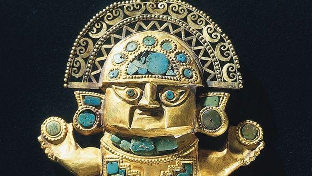 cuchillo ceremonial perteneciente a una cultura del norte peruana.