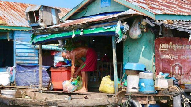 Khoảng 2000 hộ dân gốc Việt buộc phải đi tái di cư lên bờ