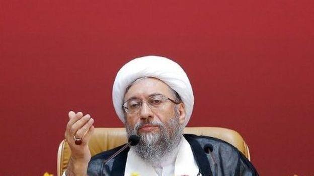 صادق لاریجانی رئیس قوه قضائیه از منتقدان اصلی اظهارات ظریف درباره وجود گسترده پولشویی در جمهوری اسلامی ایران بود