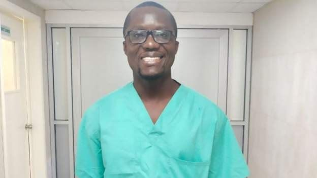 """""""Je suis le seul neurochirurgien du Libéria et je reste"""""""