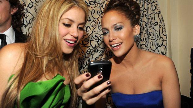 Shakira y Jennifer López en un evento de 2009.