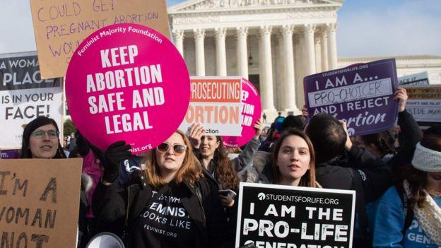 Protestas a favor y en contra del aborto