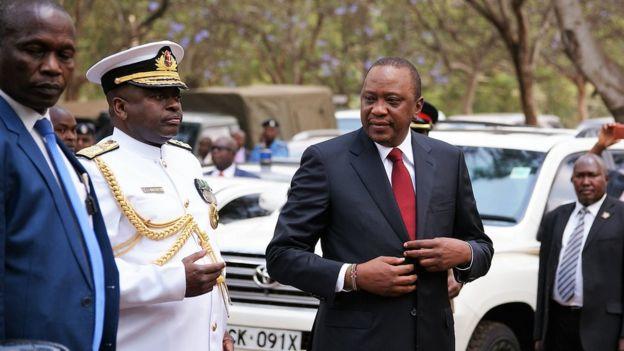 Kenyatta ayaa sheegay in 26-ka doorashada la qaban doono, wuxuuna ku baaqay nabad