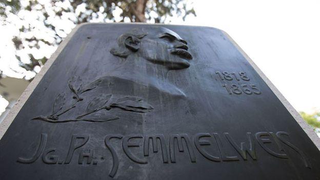 Placa em honra a Ignaz Semmelweis