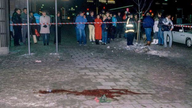Lugar del asesinato de Olof Palme fotografiado el 1 de marzo de 1996.