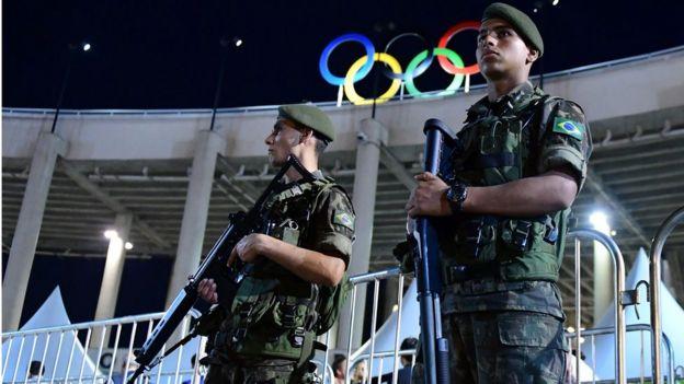 Militares no Maracanã