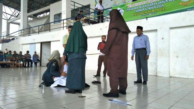 Aceh, hukum cambuk