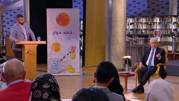 وزير التعليم المصري طارق شوقي (يسار الصورة)