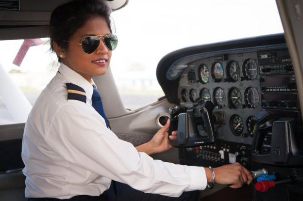 Mujer piloto.
