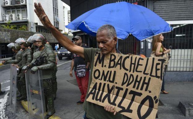 Protestas en Caracas en el marco de la visita de Michelle Bachelet a Venezuela.