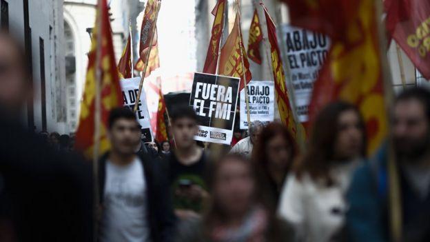 Protesta contra el FMI en Argentina