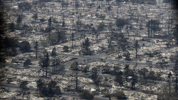 Los incendios dejaron comunidades enteras reducidas a cenizas