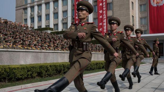 朝鲜士兵步操
