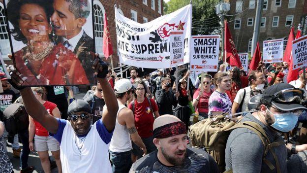 Los grupos opositores a la marcha.