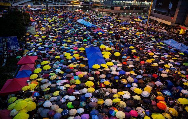 """2014年""""占领中环""""期间的香港街头。"""