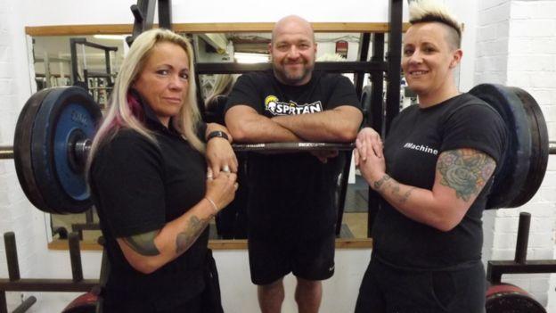 How powerlifting saved my life' - BBC News