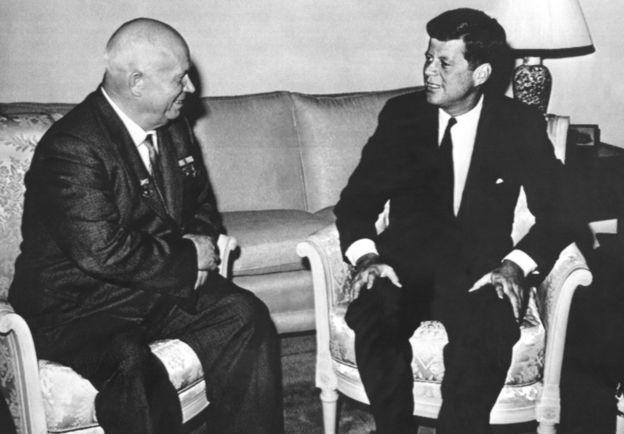 Nikita Khrushchev y J.F.Kennedy