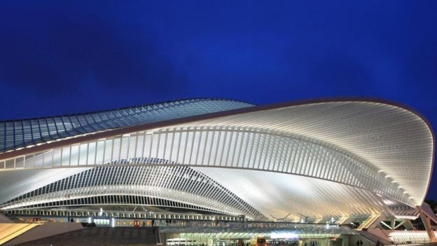 محطة لييج غيلمنز البلجيكية من تصميم المهندس المعماري سانتياغو كالاترافا