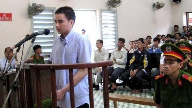 Hồ Duy Hải trong một phiên tòa