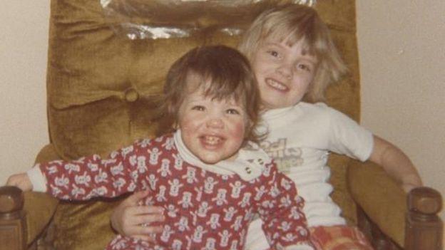 Melissa Ohden e a irmã