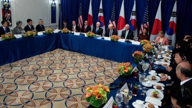 Reunión de los gobiernos de Estados Unidos, Japón y Corea del Norte.